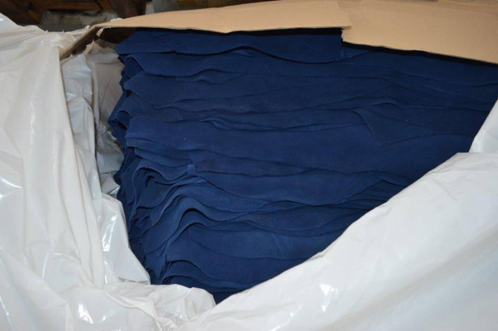 Stock pelle crosta velour blu